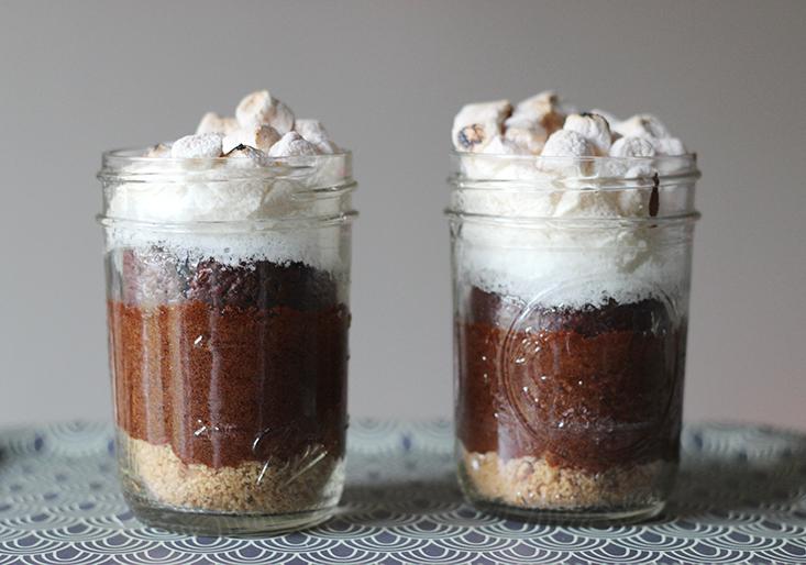 smores-cake-mason-jar