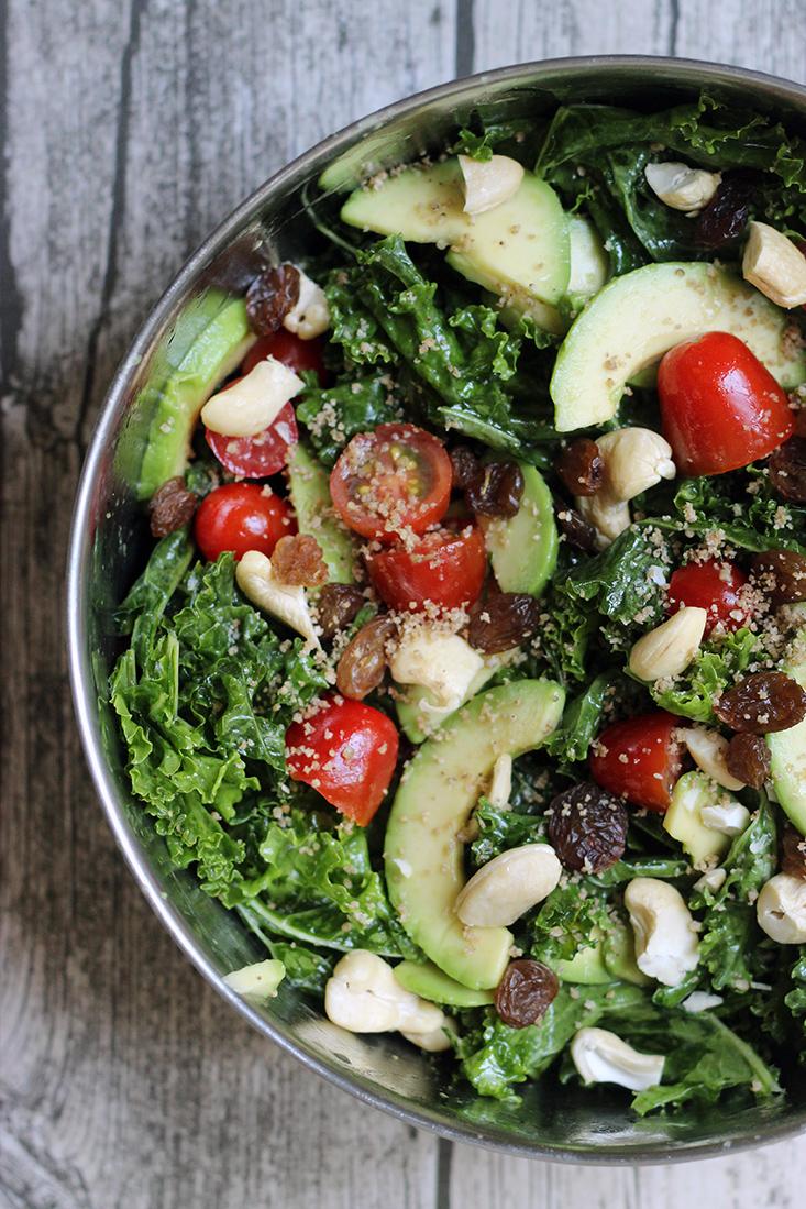 salade-kale-avocat-raisins-sesame3