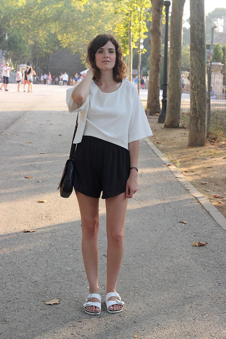 look-minimaliste-birkenstock-blanches3