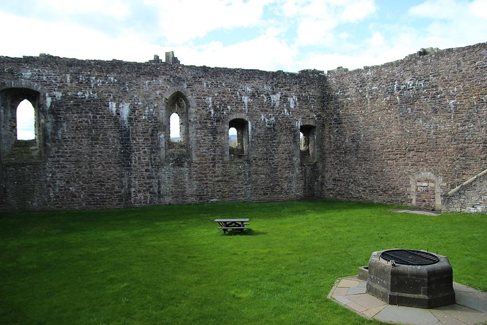 lieux-tournage-outlander_castleleoch2