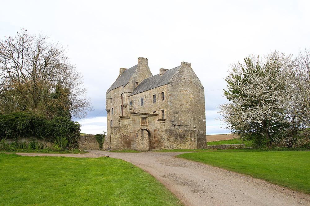 chateau-lallybroch