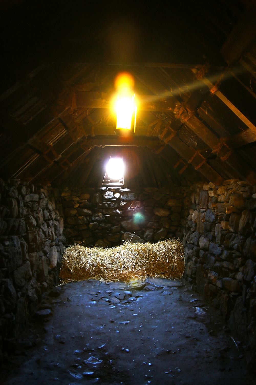 isle-lewis-arnol-blackhouse2