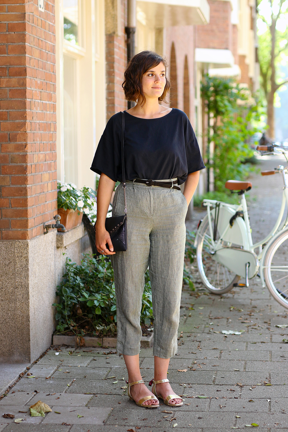 tenue-pantalon-lin-close-velo4