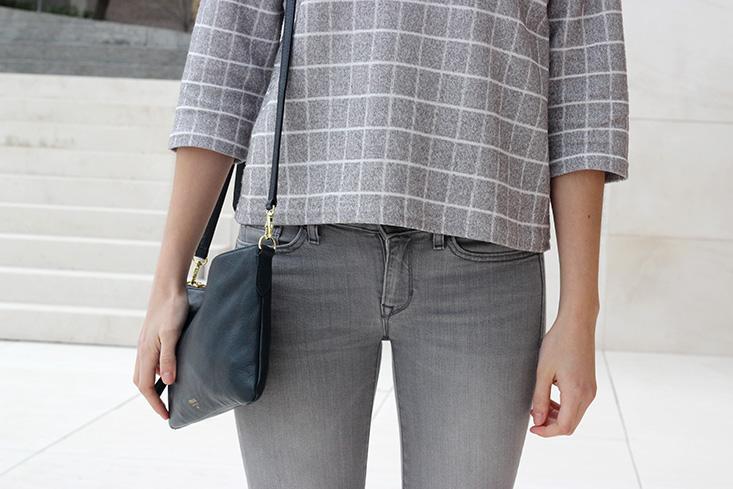 grid-grey-minimalist-outfit
