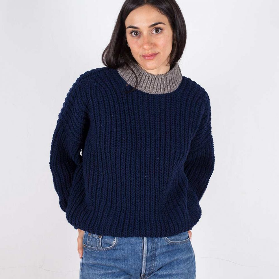 jumper-woman-no19-oversized-navy-model-2-966x966