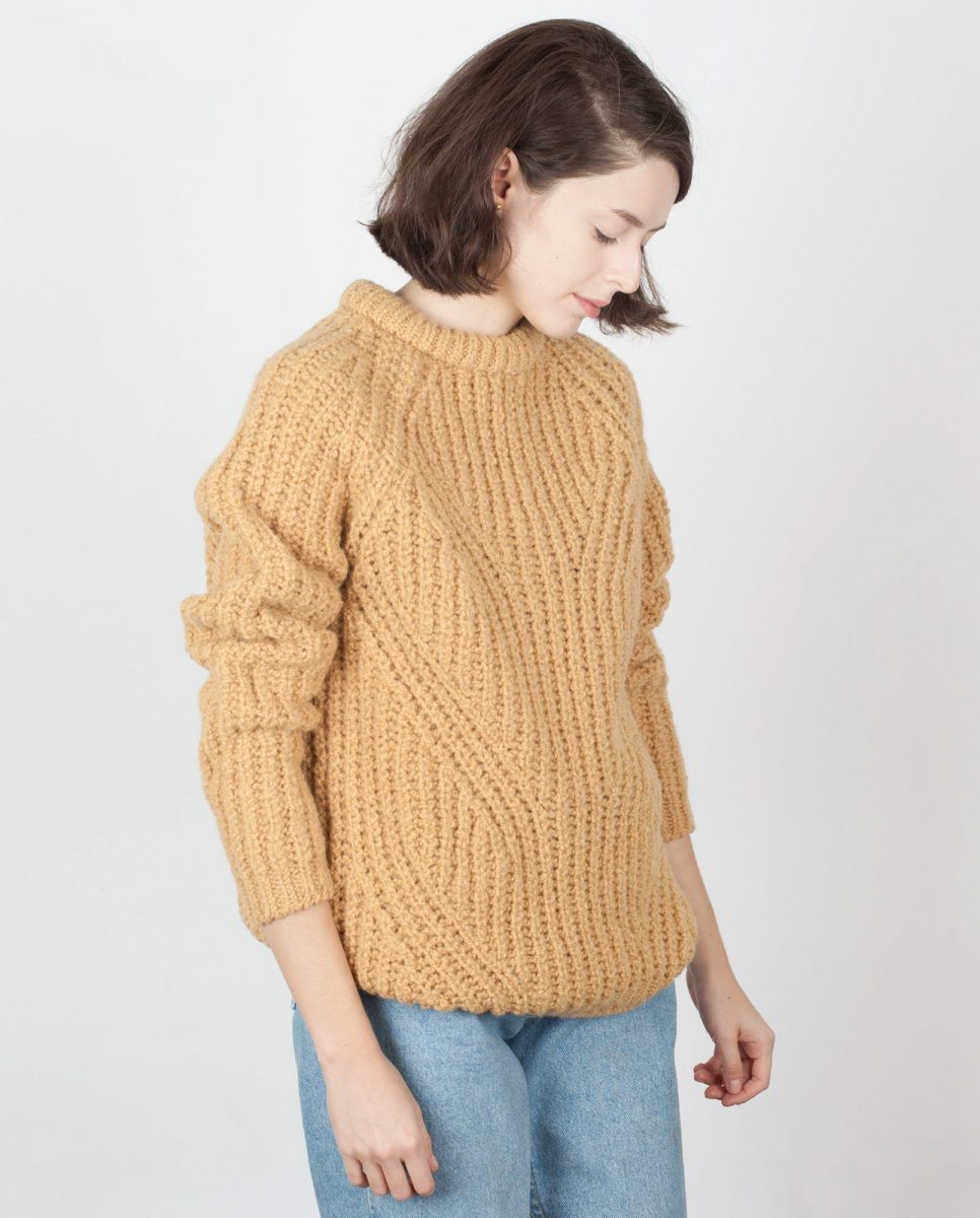 jumper-woman-no27-honey-m2-966x1200