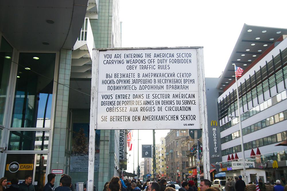 berlin-checkpoint-charlie3