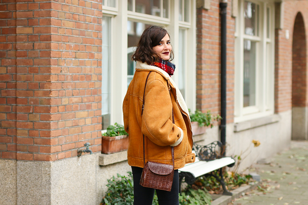 look-veste-peau-lainee-vintage