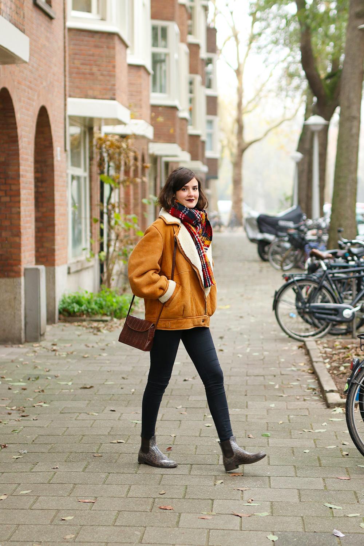 look-veste-peau-lainee-vintage3