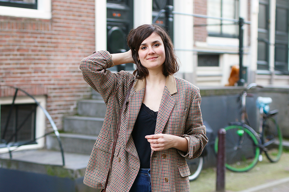 look-blazer-carreaux-vintage