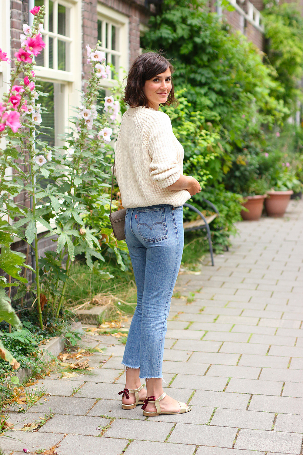 look-pull-coton-lenvers-mom-jeans4