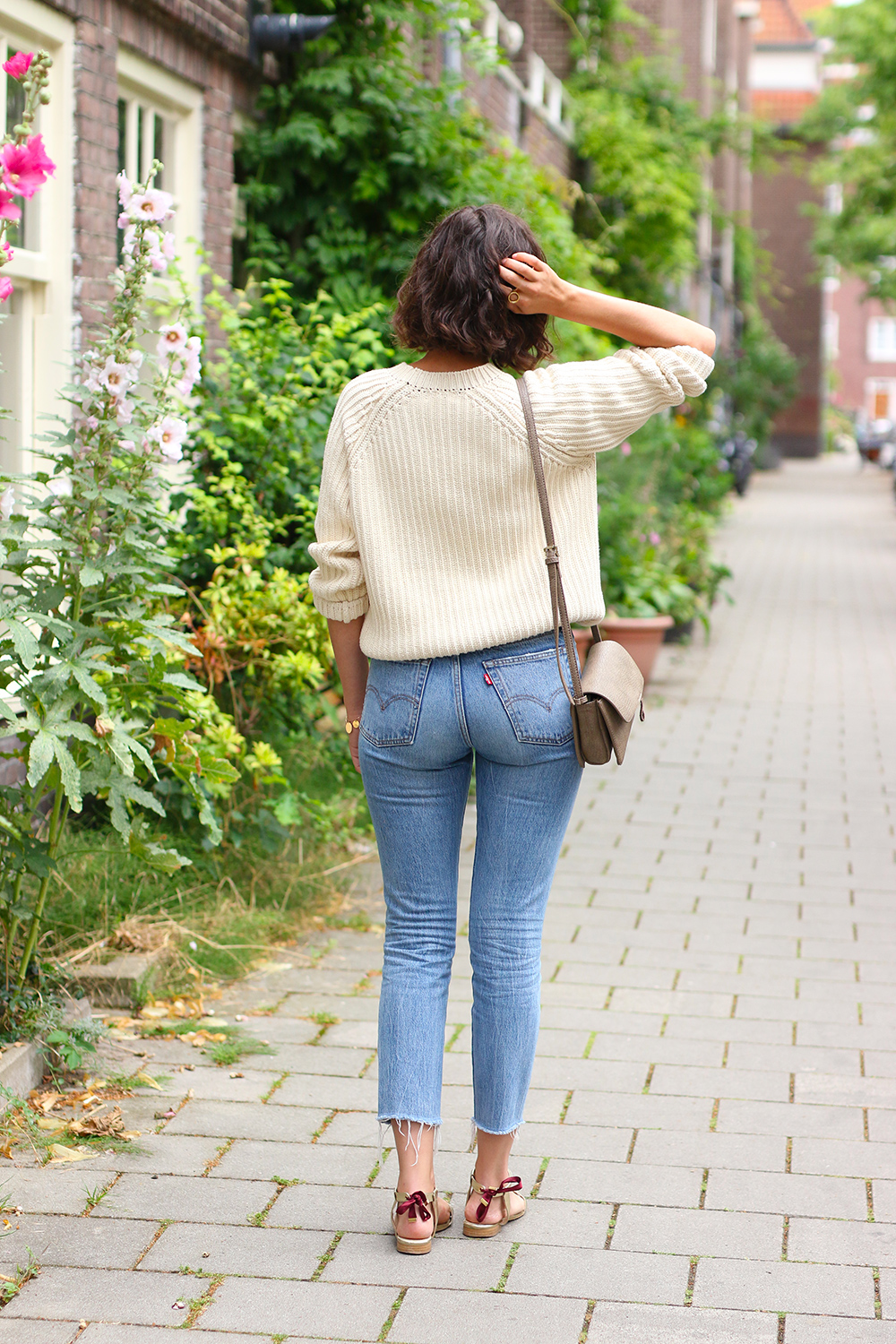 look-pull-coton-lenvers-mom-jeans6